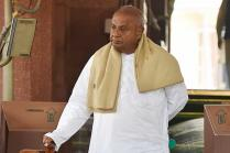 Ex-PM Deve Gowda Sits on Dharna Against 'Injustice' in Cauvery Water Issue
