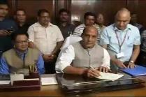 Rajnath Reviews Security Situation Along Indo-Pakistan Border