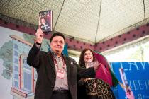 13 Things That Rishi Kapoor Revealed From His Book at Jaipur Lit Fest