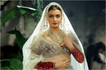 Dia Mirza Looks Like A Royal Bride In Anju Modi Ensemble At ICW 2017 Day 4