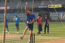 Arjun Tendulkar Bowls to Virat Kohli in the Nets Ahead of First NZ ODI
