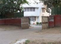 Vacant bungalows in Lutyen's zone