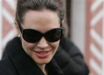 Jolie to play Daniel Pearl's widow