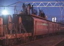Hyd trains porters to detect explosives
