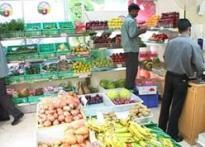 Mumbai <i>sabziwalla</i>s turn salespersons