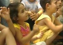 Lebanese kids sing for clean milieu