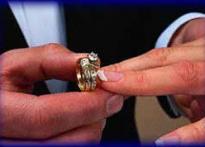 Woman gets her ring back after 22 yrs