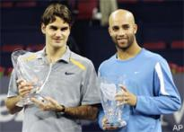 Federer ends year with another title