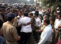 UPA seeks to trap BJP on sealing