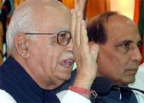 Advani rips apart Indo-US N-deal