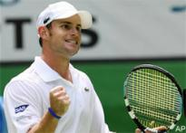 Federer, Roddick continue win march
