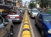 Mumbai: govt adopts double standards