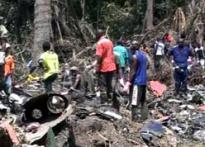Kenyan crash: Rescuers find black boxes