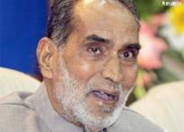 Former PM Chandra Shekhar dies of cancer