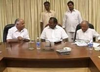 Kumaraswamy keeps mum on transfer of power