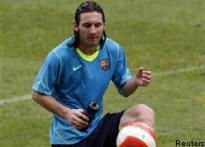 Messi, Heinze in Argentine team for Australia tie