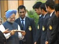 T20 champs meet President, PM