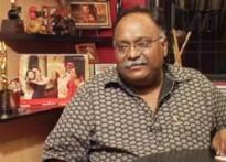Big B loved <i>Laaga Chunari Mein Daag</i>, defends director