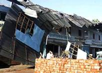 Super-cyclone hits Bangladesh, displaces 6.5 lakhs