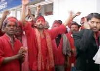 Lalu promotes porters, generates more jobs