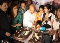 Lyricist Sameer turns 50, celebrates with friends