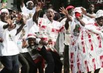 Zimbabwe's opposition claims early lead in polls
