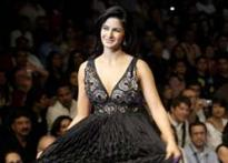 <a href='http://www.ibnlive.com/photogallery/762.html'>In Pics:  Katrina Kaif dazzles at WIWF grand finale</a>