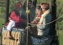 Pune girl weds NRI boy in hot air balloon