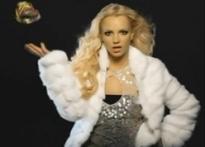 Britney's ex-manager stays under restraining order