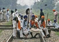 Sikh groups block trains, want Dera chief arrested