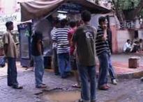 Cigarette kiosks throng Mumbai's smoke-free zones