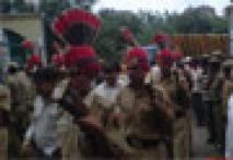<a href='http://cj.ibnlive.com/slideshow2438.html'>CJ pics: Encounter hero MC Sharma's last journey</a>