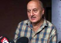 Anupam Kher passes on success streak to students
