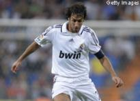 Raul shows admiration for Maldini, Hierro