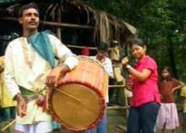 Meet the Dhakis who give rhythm to Durga Pujo