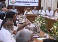 Karunanidhi warns of TN MPs quitting over Lankan tangle