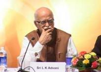 Malegaon blast: Advani meets PM, complains about ATS