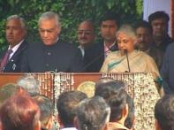 Shiela takes oath as Delhi CM, Walia made minister