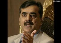 Pak PM hints Kasab a Pakistani | <a href='http://ibnlive.in.com/news/kasab-a-pakistani-pak-says-it-almost/80423-3.html'>The fine print</a>
