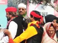 Amar Singh says Cong loyalist threatening Dutt