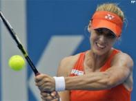 Dementieva crushes Serena, meets Safina in final