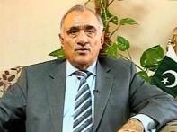 Pak NSA's rift with govt | <a href='http://ibnlive.in.com/news/sacked-pak-nsa-reiterates-kasabs-a-pakistani/82212-2.html'>Sacked NSA reiterates stand</a>
