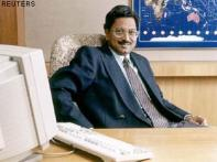 <a href='http://ibnlive.in.com/news/beleaguered-satyam-forms-crack-team-for-firefighting/82175-7.html'>Satyam's crack team</a> | <a href='http://ibnlive.in.com/news/satyam-directors-employees-shocked/82154-7.html'>Directors shocked</a> | <a href='http://ibnlive.in.com/news/satyam-timeline-how-the-scam-unfolded/82174-7.html'>Timeline</a>