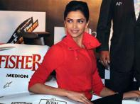 <a href='http://ibnlive.in.com/photogallery/1254.html'>In pics: Deepika dazzles at MTV Force India tie up</a>