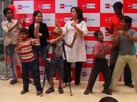Farah dances with cancer patients, talks about SRK