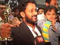 Watch:<i>Slumdog</i>'s  Oscar stars talk of fan frenzy