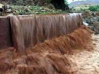 Congress hindering raising of Narmada dam: Modi