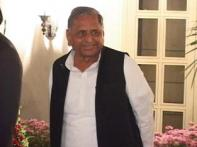 EC likely to slap a notice on Mulayam in UP DM case