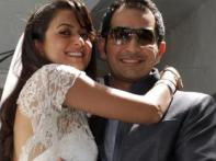 <a href='http://www.ibnlive.com/photogallery/1290.html'>Images: Amrita Arora says I do in full B'wood style</a>