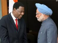 Manmohan back at work, meets Benin President